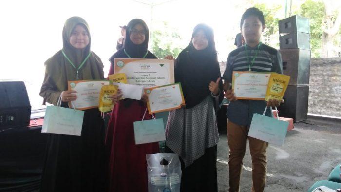 Wakil SMP IT Masjid Syuhada Sukses Menjuarai Lomba Cerdas Cermat Islami di Masjid Syuhada